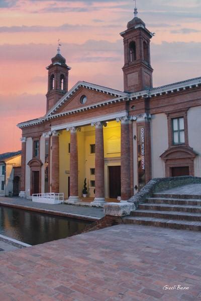 Ed Museo DonneProfumi Delta Di Antico Comacchio IntrighiAl Del 5jRL43A
